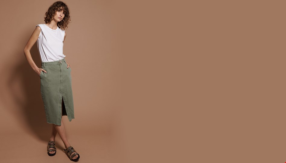 SUPER KHAKI SOCIETY SKIRT
